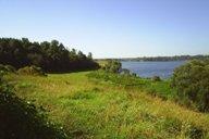 <p>Вид на берег озера с высоты монастырского холма.</p>