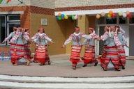 <p>Выступление танцевального коллектива школы.</p>