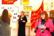 <p>Е.В. Краснобаева рассказывает об освобождении д.Вымно от немецко-фашистских захватчиков.</p>